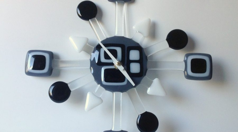 Geo Retro Glass Wall Clock- Black & White